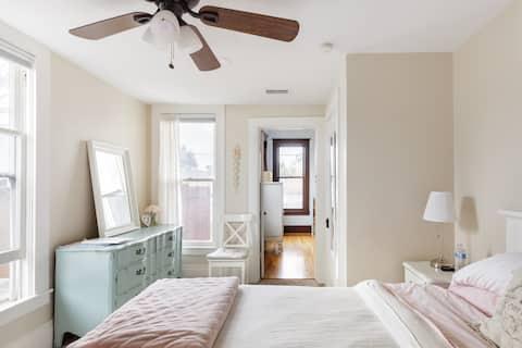 Scrumptious suite privada para invitados en la histórica casa