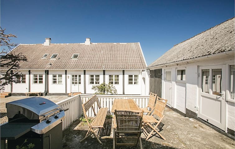 Holiday cottage with 5 bedrooms on 266 m² in Allinge