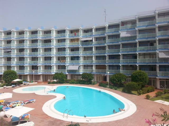 Red Loft central whith swimming pool and free WiFi