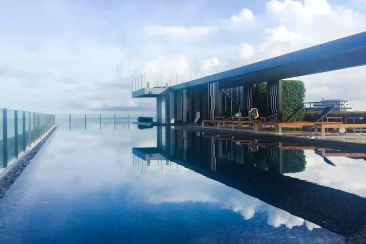 无边泳池 泰国曼谷芭堤雅市中心 the base 网红公寓 蜜月 家庭度假  值得拥有