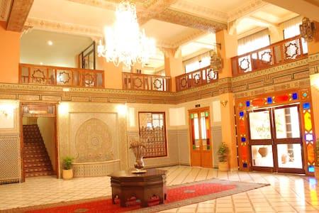 HOTEL NOUZHA - Province de Moulay Yacoub - Andere