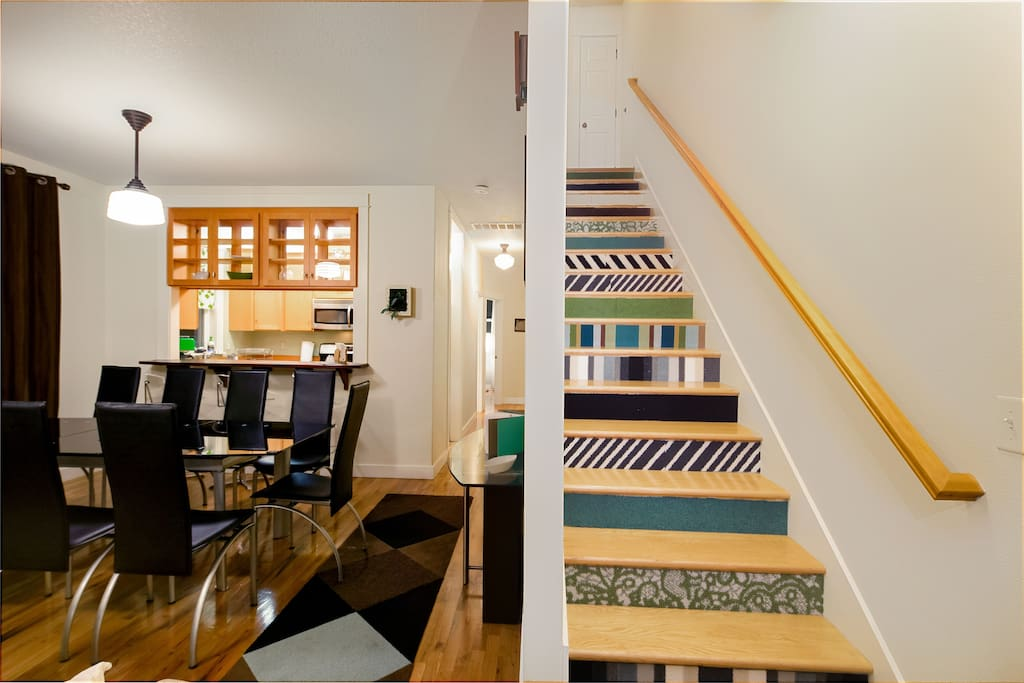 Stay Here In Alberta Arts in Style in a Well -Appointed Appointed Permitted Home