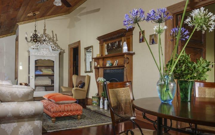 American Barn - Sapphire Guest Room & Ensuite
