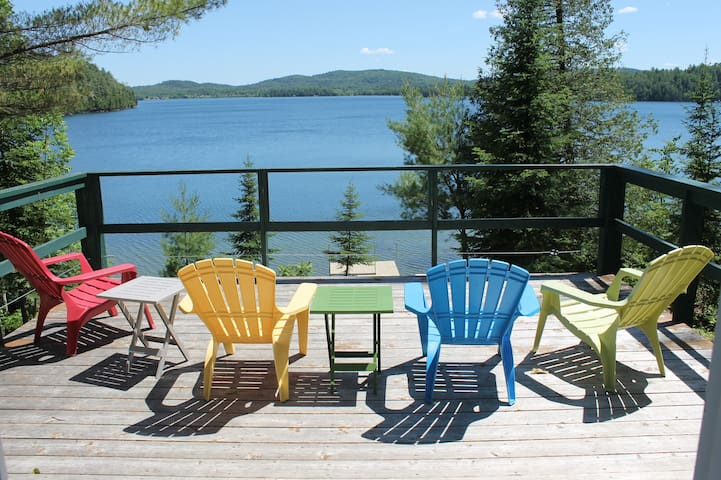 Beautiful year-round retreat on Heney Lake