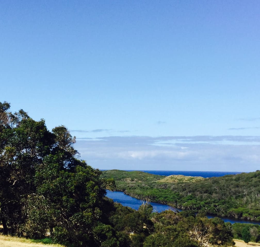 Uninterrupted views of the Margaret River and the Indian Ocean