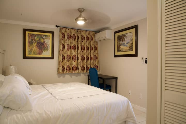 10 mins from Airport☆Traffic Friendly Central loca