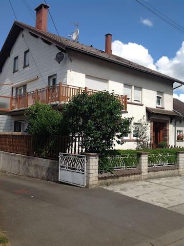 Location dans maison individuelle - Vieux-Lixheim - Haus