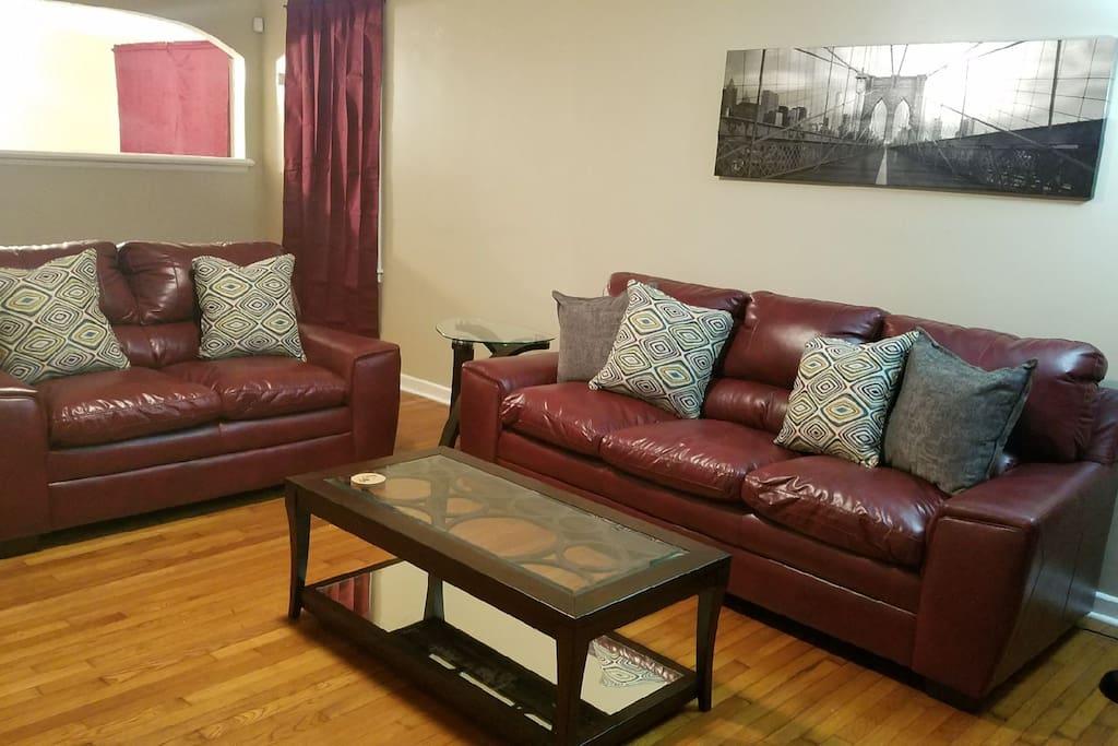 Shared Living Room w/ Flat Screen Smart TV for Netflix Streaming