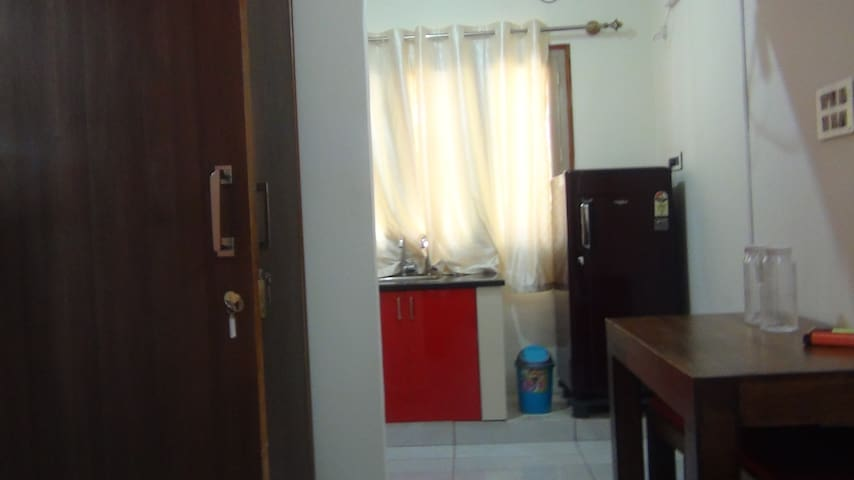 Saajj Associates Fully Furnished Studio for 2