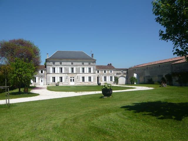Maison de vacances avec piscine  - Chassors - Casa