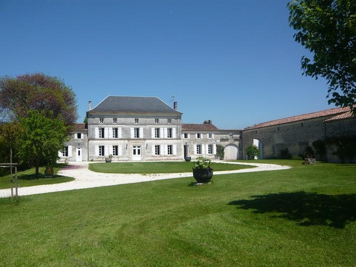 Domaine de Villeneuve avec piscine