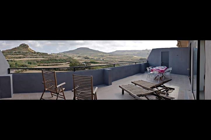 Breathtaking views from 40m2 terrace