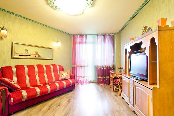Южная корона 2-near metro airport - Saint Petersburg - Apartment