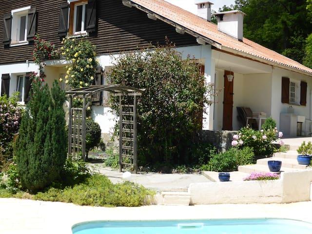 CHALET + PISCINE FAMILIALE PRIVEE - Saint-Martin-Vésubie