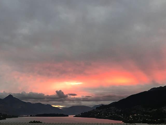 Sunset Views Ridge