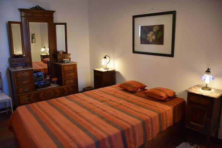 Sweet Chestnut Room