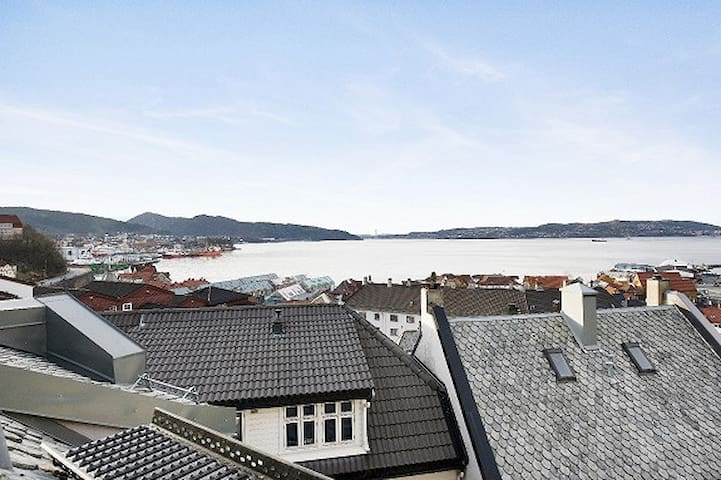 Urban life close to everything Bergen has to offer - Bergen - Apartment