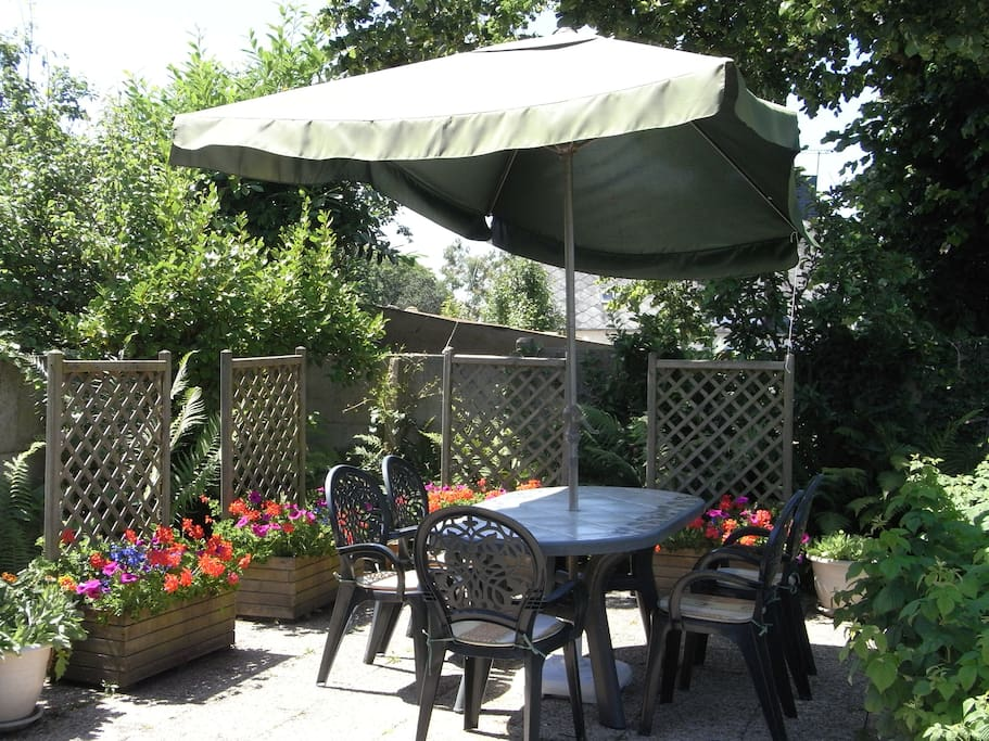 Patio at bottom of garden, ideal for aperitifs/barbeques