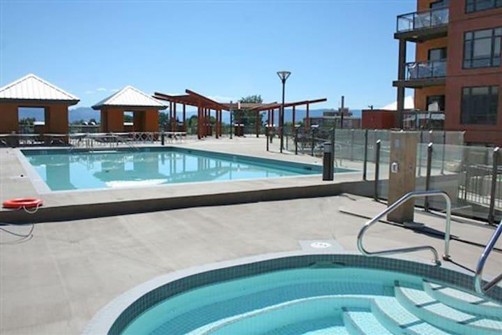 LUXURY 3BR Resort Condo PlayaDelSol
