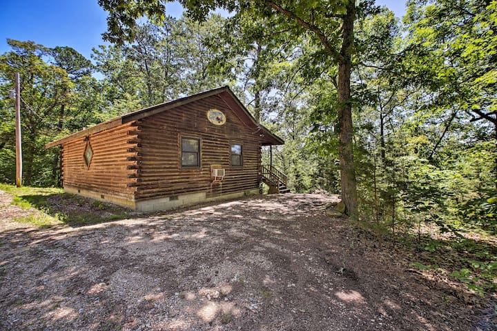 Embark on your Eureka Springs getaway at this vacation rental—'Bride's Bouquet!'
