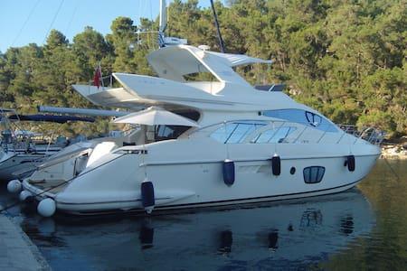 AZIMUT 55 (Fly bridge) Yacht - Tivat