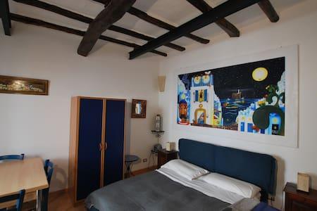 Studio flat ambra in central lipari - 利帕里