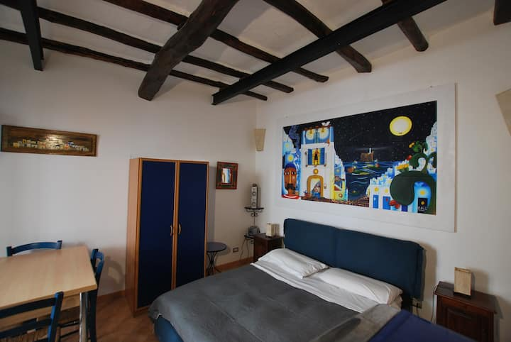 Studio flat ambra wi fi in central lipari