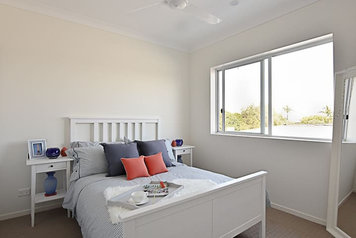 Fully contained one-bedroom apartment - Springwood - Apartamento