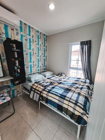 3rd floor - bedroom with queen bed