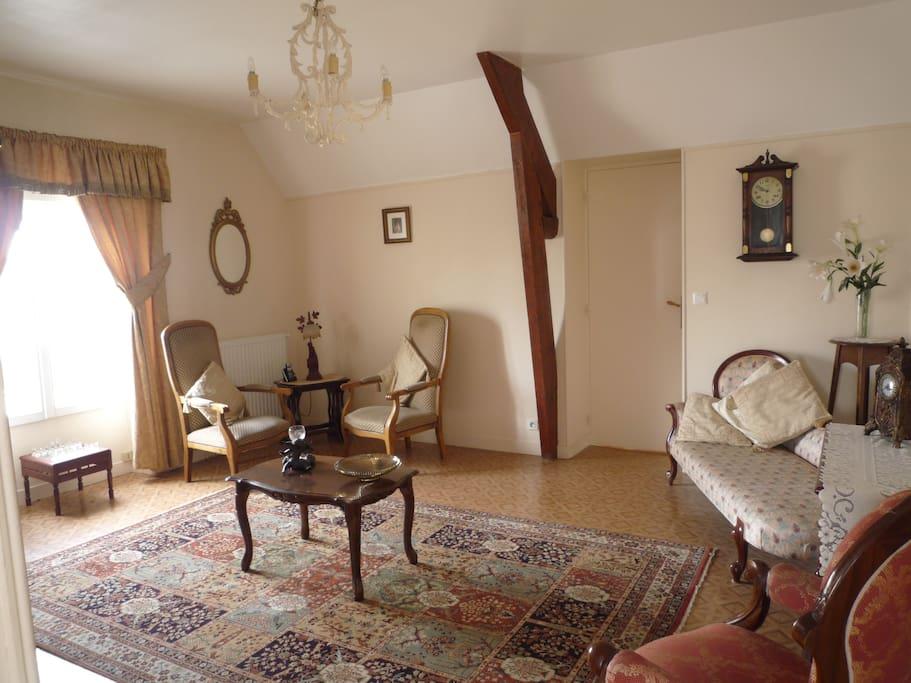 Le grand chalet appt 2 bedrooms 4 apartments for rent for Antieke bouwmaterialen maison belle epoque