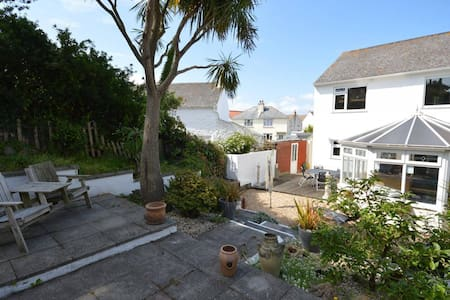 Double room minutes' walk from West coast beaches