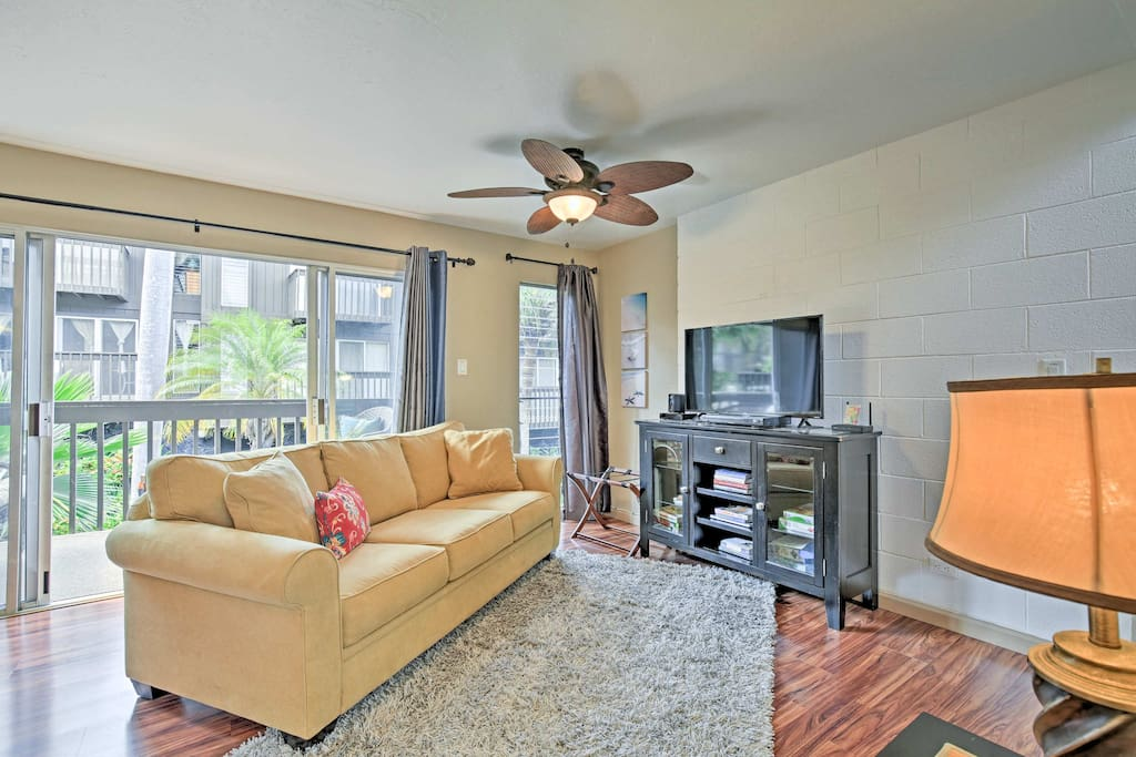 This unit includes a great master bedroom, 1.5 baths and all the modern comforts.