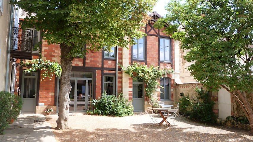 la Maison du Crémant - Savigny-lès-Beaune - Bed & Breakfast