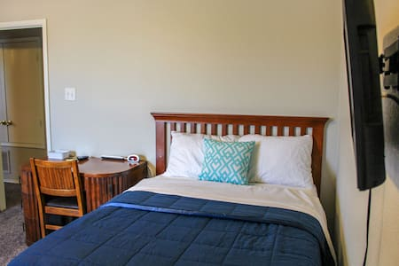 Clean and comfortable  Bed &Bath- Sky Blue Room