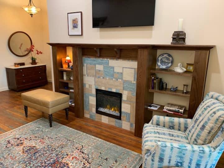 Suite 129-Historic Loft