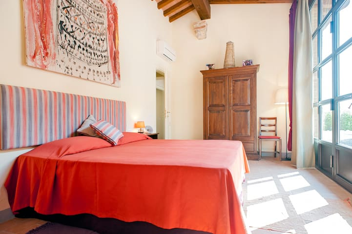Relaxing getaway next to Pisa - livorno - Bed & Breakfast