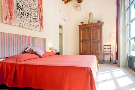 Relaxing getaway next to Pisa - livorno - Bed & Breakfast