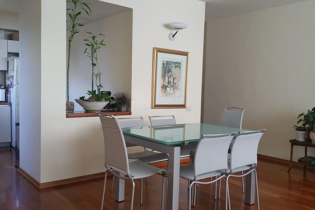 Dining Area (Seats 10)