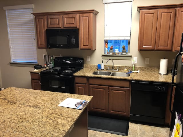 South Jordan 1 Bedroom Apartment