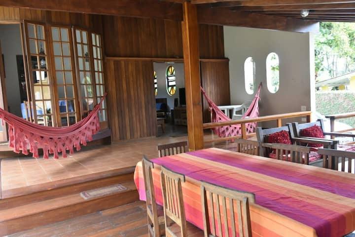 Ótima casa a 70 metros da Praia da Fortaleza