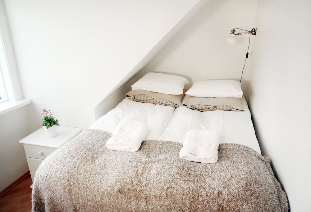 Cosy bedroom.