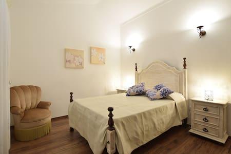 3 Bed Tradicional House 8 min to the beach S - Cerro do Ouro