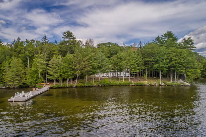 Hyannis Port North on Lake Rosseau a seasonal rental on Rosseau