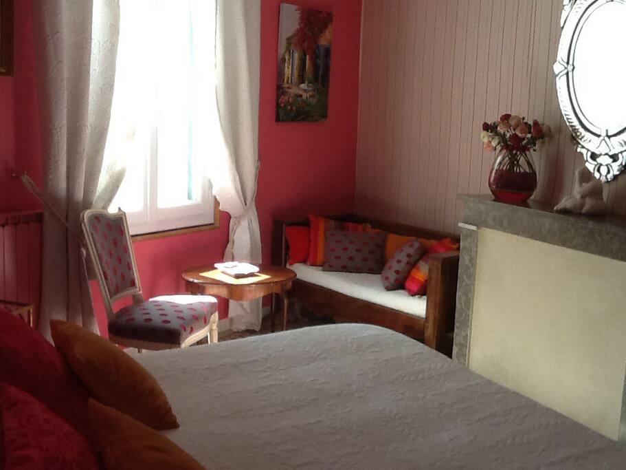 chambres d 39 hotes en petite camargue saint laurent d 39 aigouze b b languedoc roussillon. Black Bedroom Furniture Sets. Home Design Ideas