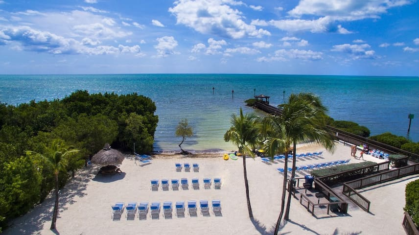 1BR/1BA Florida Keys Suite w/Beach, Marina, Pool
