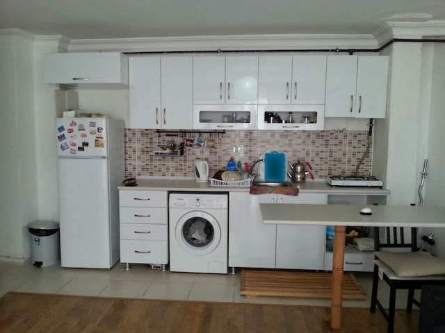 clean and well located modern flat - İstanbul - Apartment
