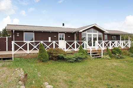 Familievenlig feriehus - Logstor - 小木屋