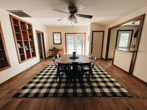 Cozy cottage on acreage with pool, minutes to town