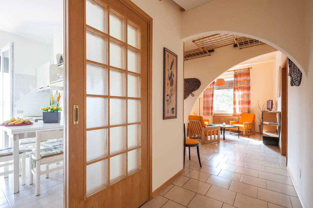 Piccolo attico arancione a treviso appartamenti in for Appartamenti in affitto treviso non arredati