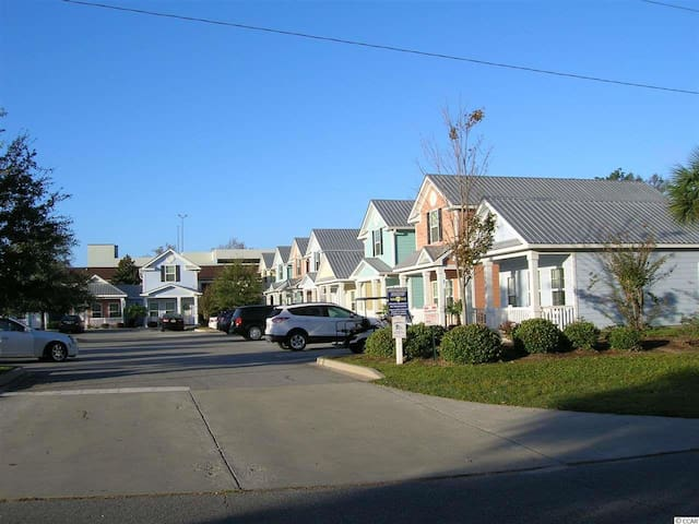 Beach House with Awesome Location! 5 star reviews! - Myrtle Beach - Szeregowiec